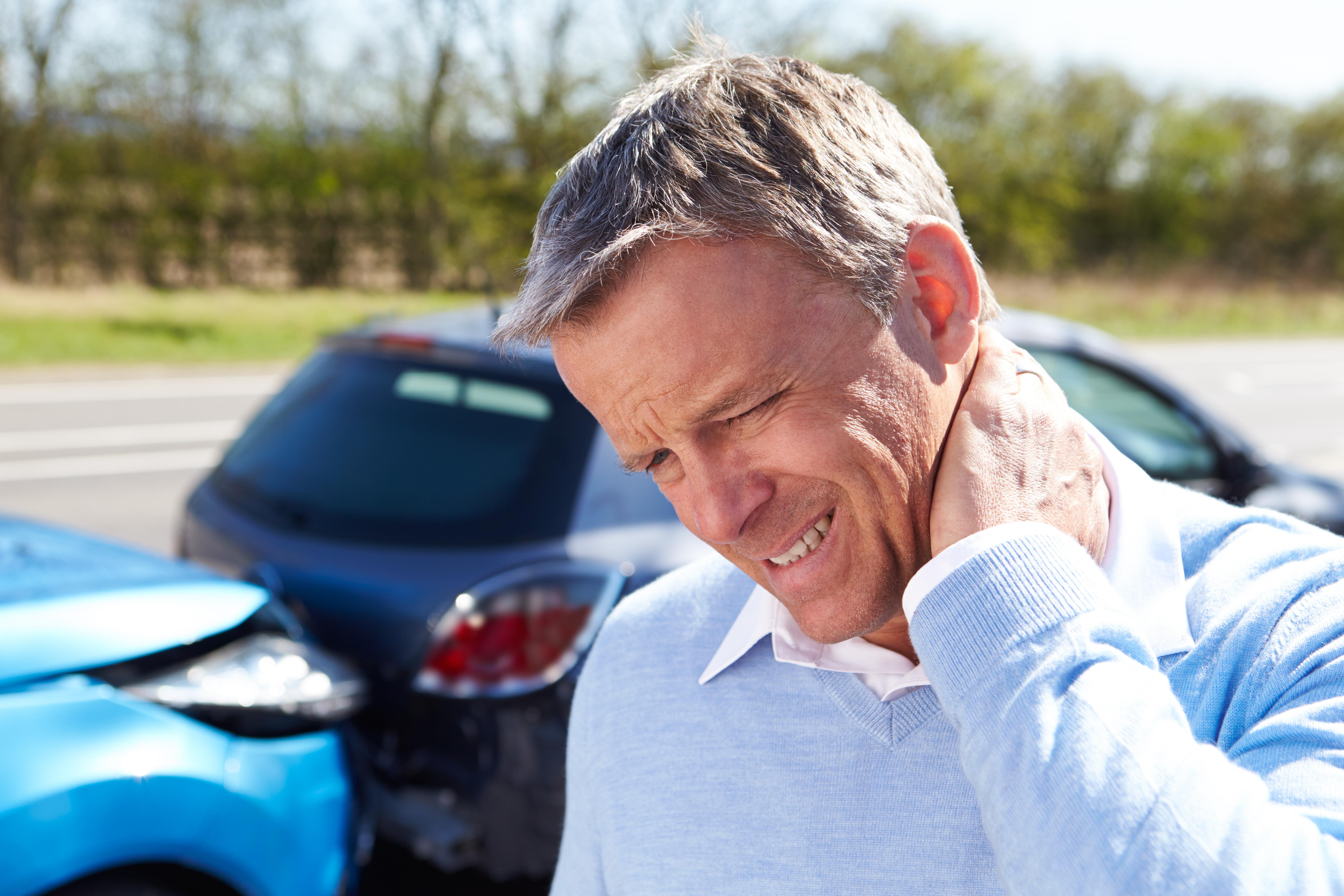 교통사고 후에 목이 아픈 이유